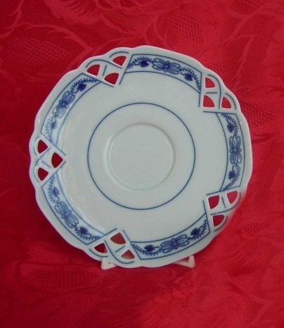 Cibulák podšálka čaj ozdobná (zrkadlová podšálka) 15,3 cm cibulový porcelán, originálny cibulák Dubí 1. akosť