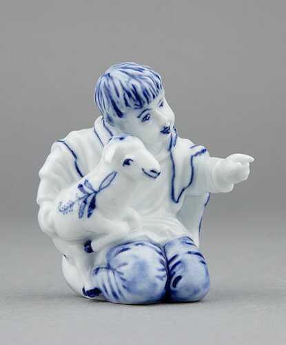Cibulák figúrka chlapec s ovečkou 7,2 cm cibulový porcelán, originálny cibulák Dubí, 1. akosť