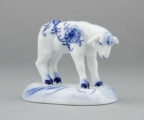 Cibulák jahňa s hlavou dole 6 cm cibulový porcelán, originálny cibulák Dubí, 1. akosť