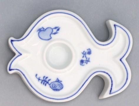 Cibulák svietnik plochý, ryba 9,2 cm cibulový porcelán, originálny cibulák Dubí 1. akosť