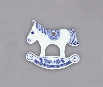 Cibulák vianočná ozdoba / obojstranná - hojdací koník, záves 8 x 9 cm cibulový porcelán, originálny cibulák Dubí 1. akosť