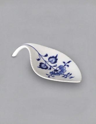 Cibulák miska na odkladanie čajových sáčkov / lístok 12,4 x 5,8 cm cibulový porcelán, originálny cibulák Dubí 1. akosť