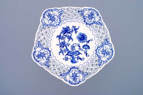 Cibulák misa päťhranná, prelamovaná na nízke ozdobné nohe 24 cm cibulový porcelán, originálny cibulák Dubí 1. akosť