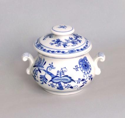 Cibulák zapékací hrnček s uškami s viečkom a s úchytkou 12,2 cm cibulový porcelán, originálny cibulák Dubí 1. akosť