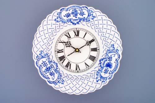Cibulák hodiny reliéfne so strojčekom 27 cm cibulový porcelán, originálny cibulák Dubí, 1. akosť