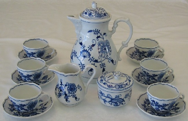 Cibulák súprava kávová, K1 15ks cibulový porcelán, originálny porcelán Dubí, 1. akosť
