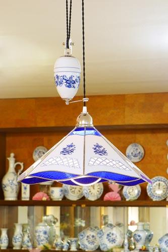 Cibulák lampa sťahovacia s dekoráciou, dekorované závažia 46 cm cibulový porcelán, originálny cibulák Dubí 1. akosť