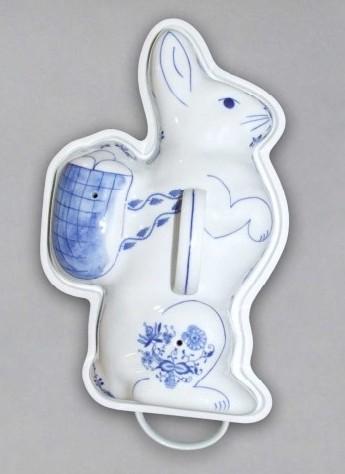 Cibulák forma na pečenie zajac 20 x 35,5 cm cibulový porcelán, originálny cibulák Dubí 1. akosť